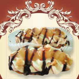 Jabłecznik z bitą śmietaną i czekoladą